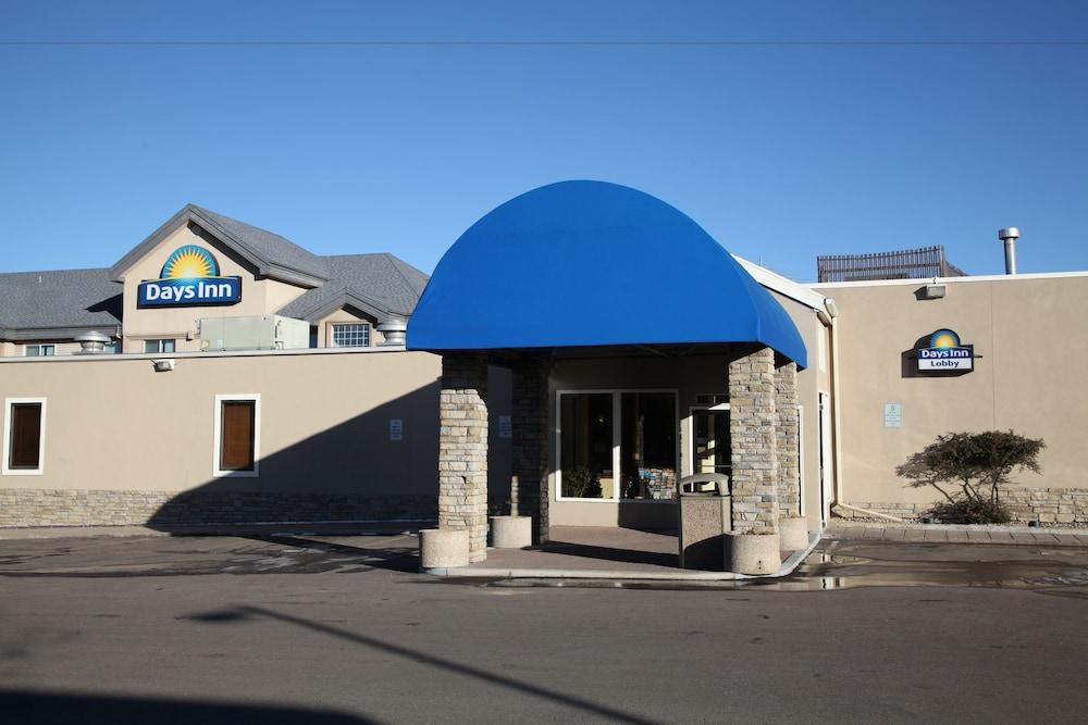 Days Inn Suites By Wyndham Golden Denver West Reviews Photos Rates Ebookers