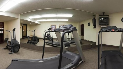 Gym, Holiday Inn Express Fayetteville- Univ of AR Area