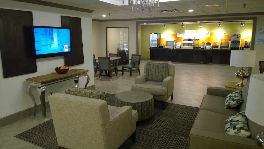Lobby, Holiday Inn Express Fayetteville- Univ of AR Area