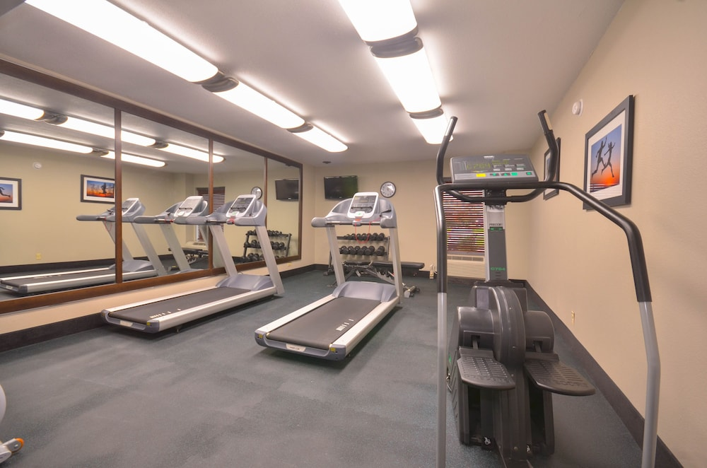 Fitness Facility, Holiday Inn Express Fayetteville- Univ of AR Area