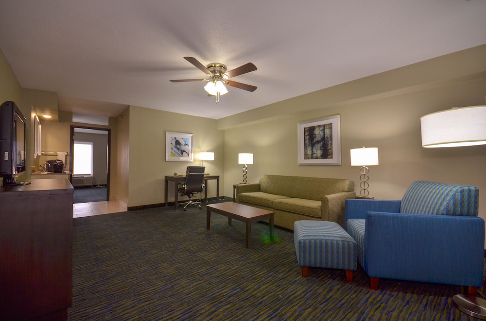 Room, Holiday Inn Express Fayetteville- Univ of AR Area