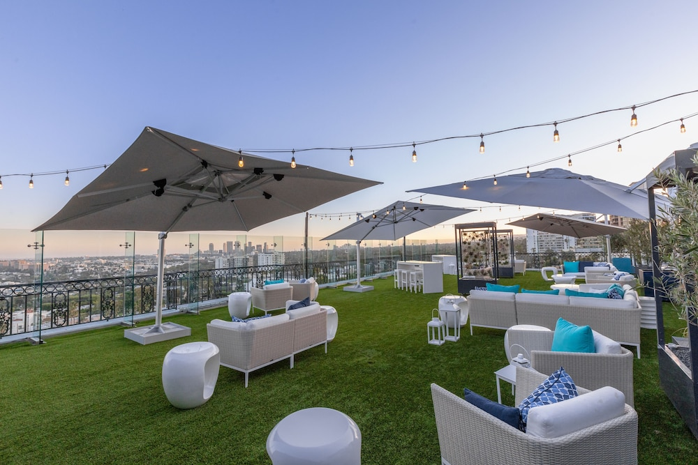 Sundeck,  The London West Hollywood at Beverly Hills