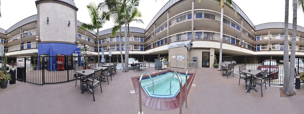 Pool, Best Western Airport Plaza Inn - Los Angeles LAX Hotel