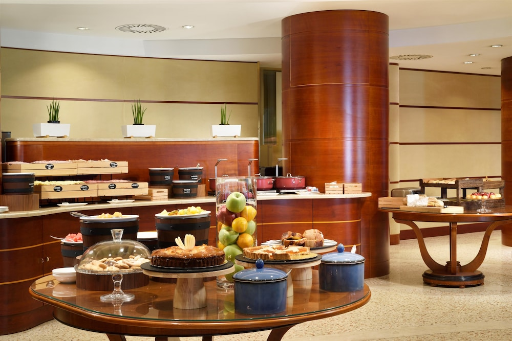 Breakfast Area, UNAHOTELS Cusani Milano
