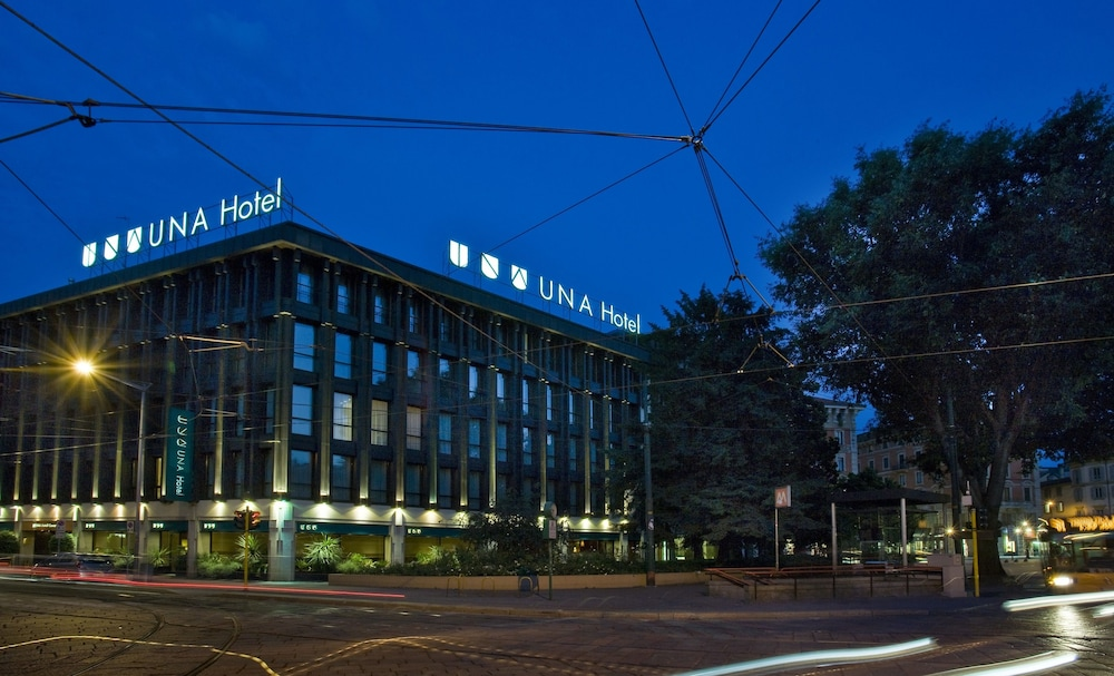 Front of Property - Evening/Night, UNAHOTELS Cusani Milano