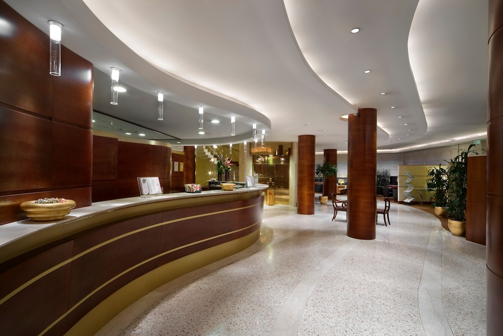 Reception, UNAHOTELS Cusani Milano