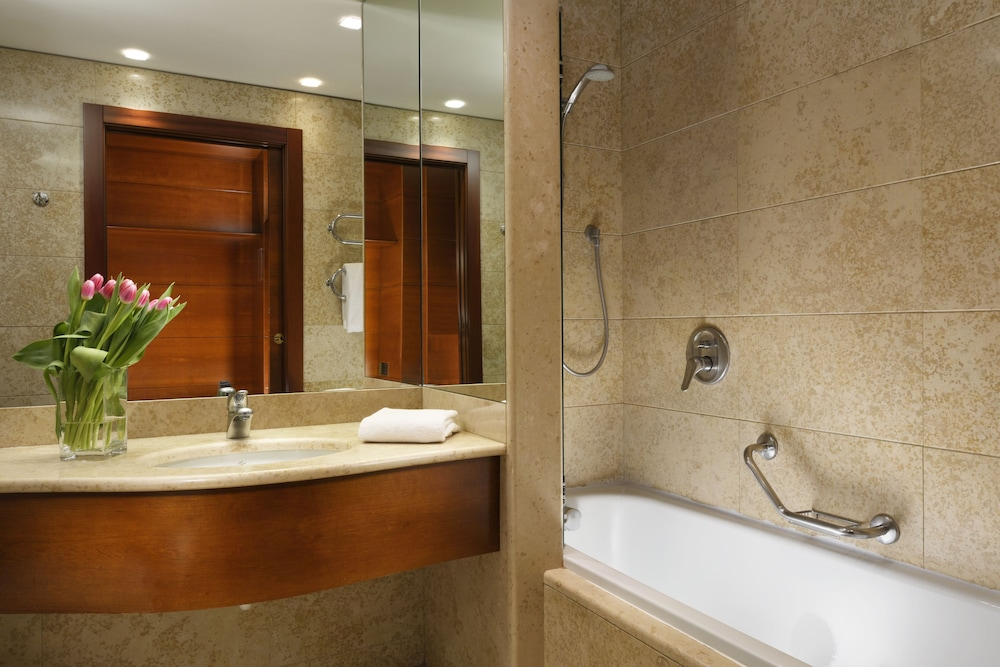 Bathroom, UNAHOTELS Cusani Milano