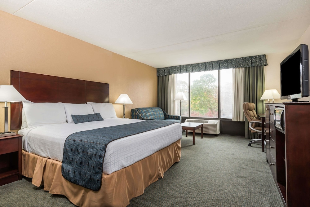 Wyndham Garden Williamsburg Busch Gardens Area 2019 Room Prices 52 Deals Reviews Expedia