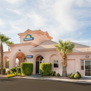 Days Inn by Wyndham Bullhead City