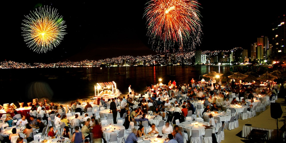 Outdoor Dining, Grand Hotel Acapulco