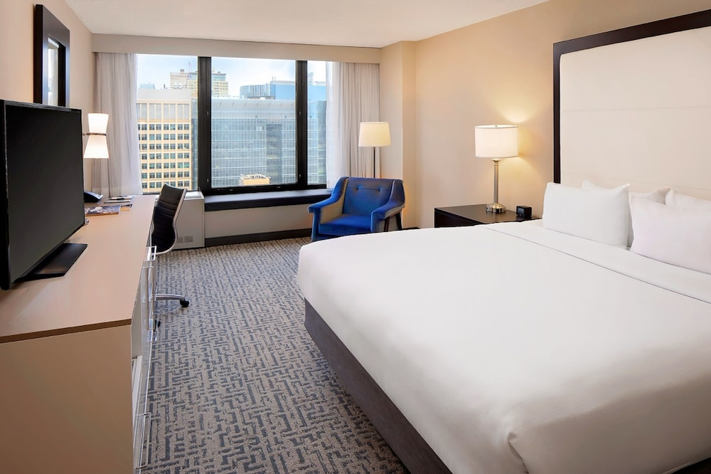 Room, DoubleTree by Hilton Chicago - Magnificent Mile