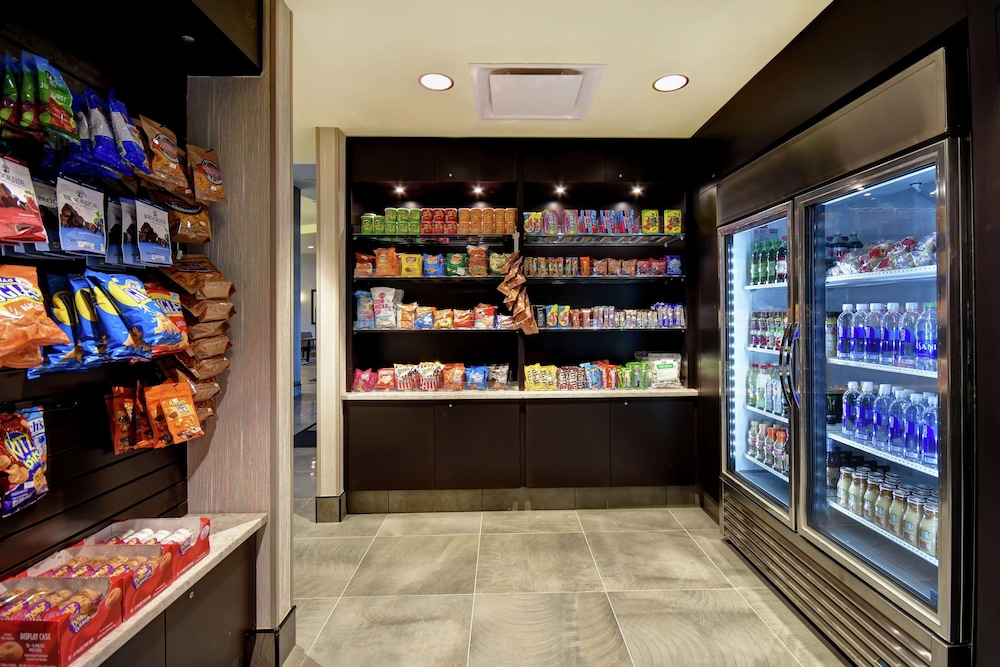Snack Bar, Embassy Suites by Hilton Montgomery Hotel & Conference Ctr