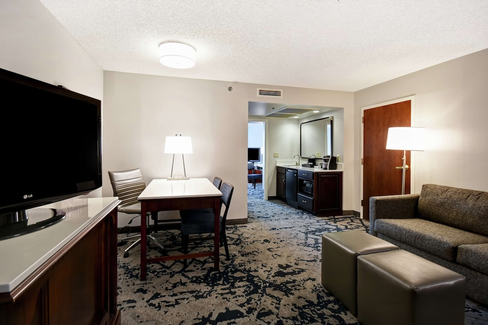 Minibar, Embassy Suites by Hilton Montgomery Hotel & Conference Ctr