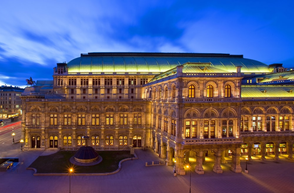 Hotel bristol a luxury collection hotel vienna vienna for Luxury hotels austria
