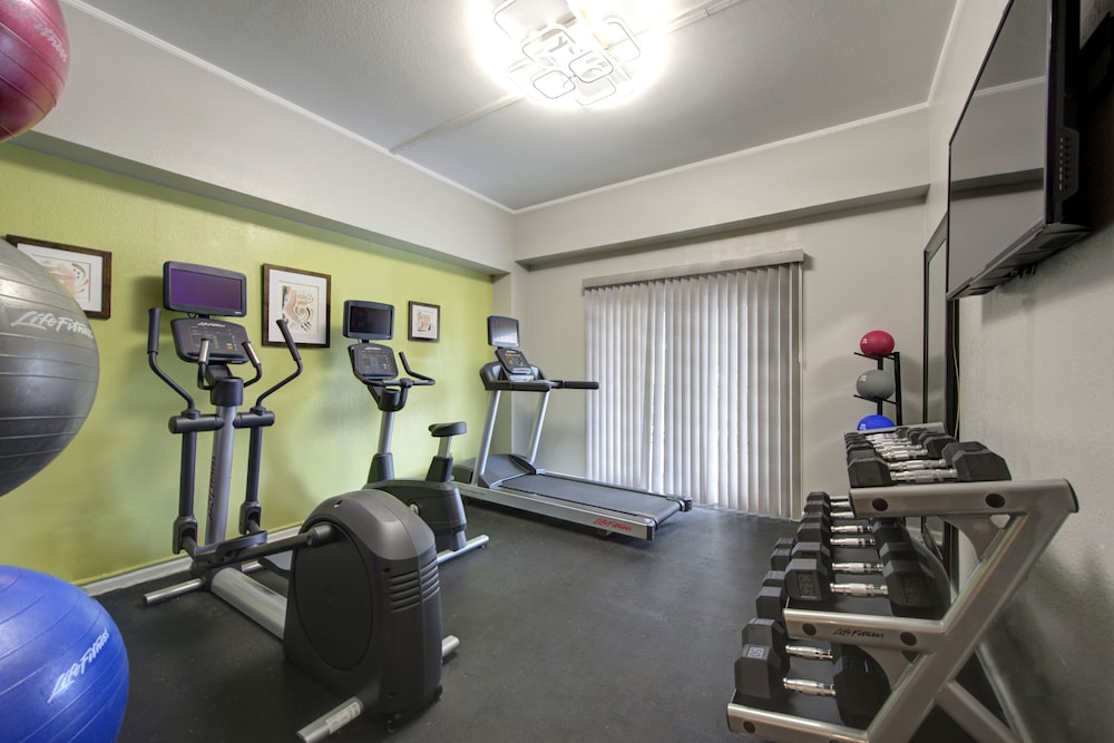 Fitness Facility, The Roslyn, Tapestry Collection by Hilton