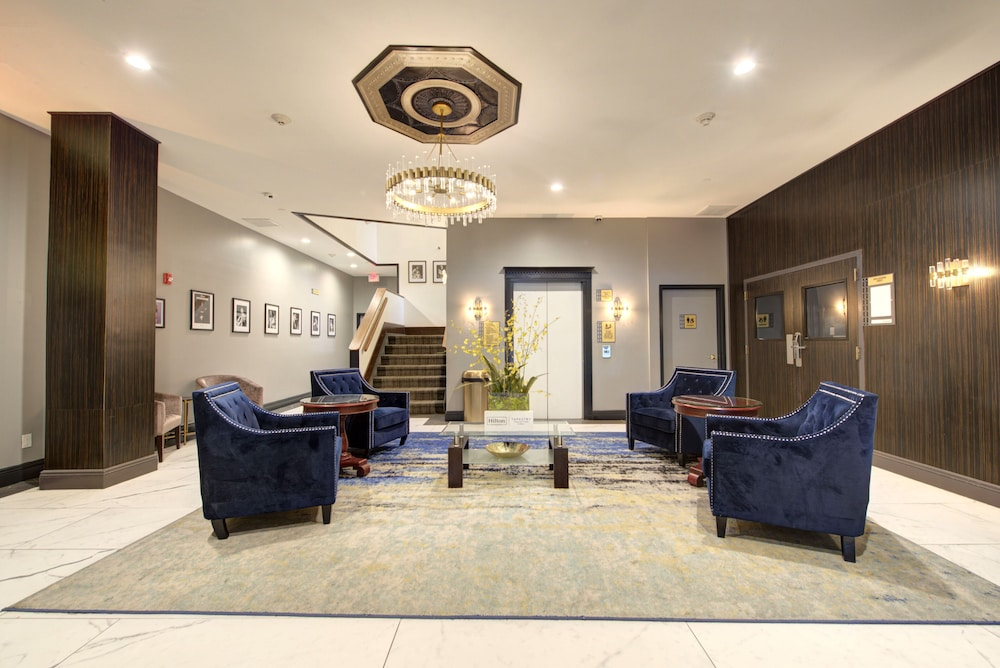 Lobby Sitting Area, The Roslyn, Tapestry Collection by Hilton