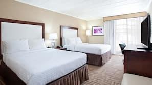 Premium bedding, desk, blackout curtains, free WiFi
