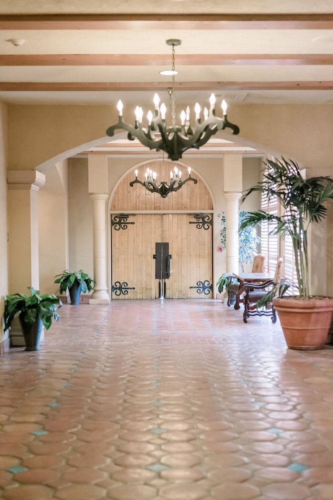 Reception Hall, Hotel Encanto de Las Cruces