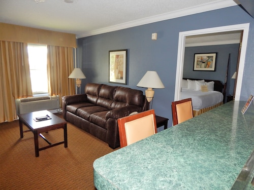 Check Expedia for Availability of Richmond Suites