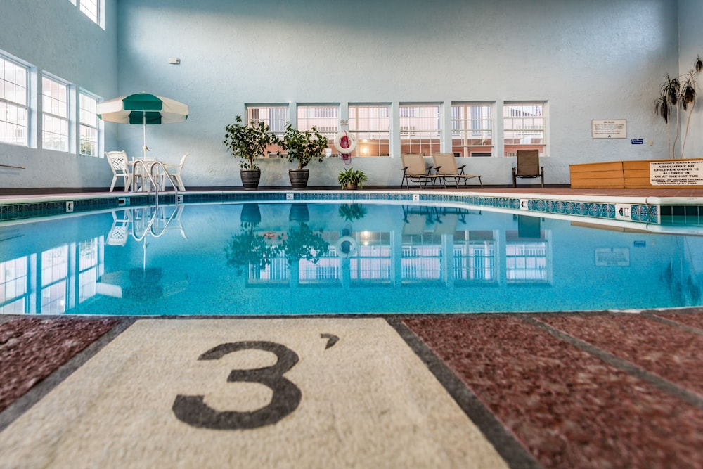 Indoor Pool, Angel Inn Central