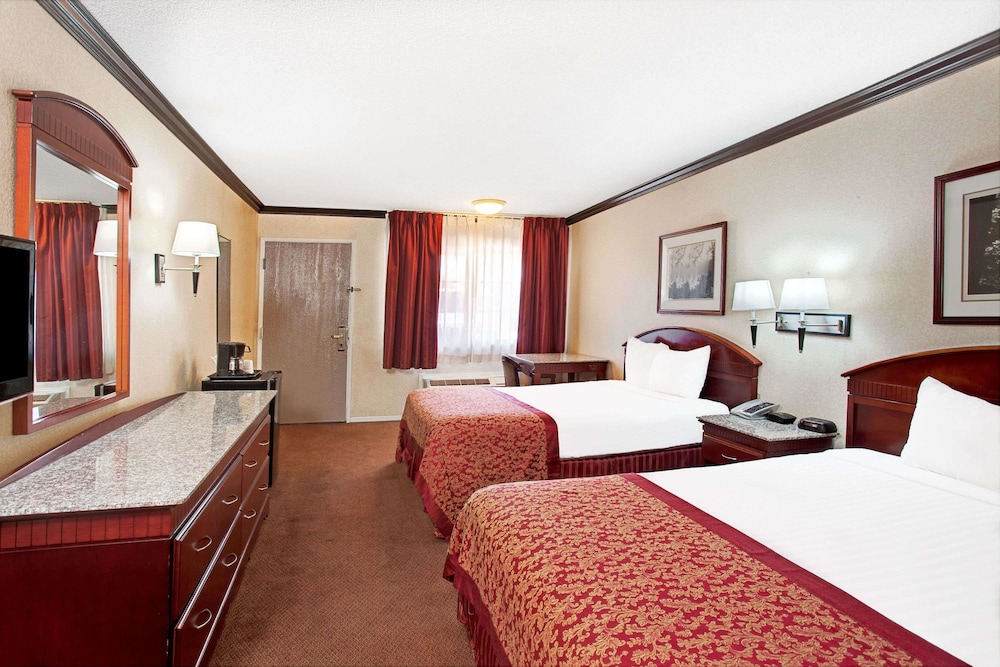 Room, Ramada by Wyndham Pasadena