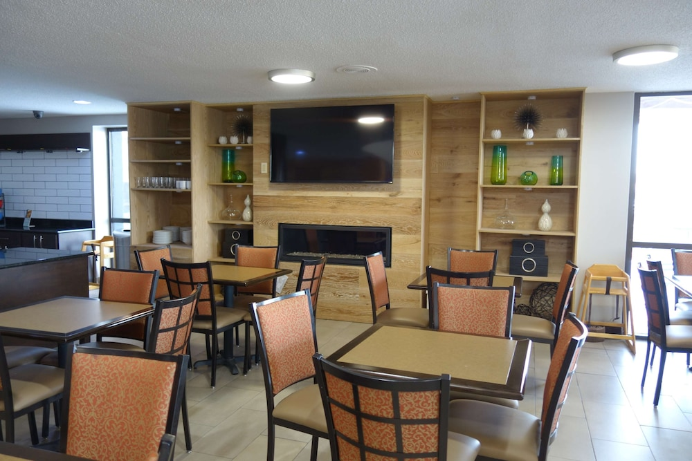 Breakfast Area, Country Inn & Suites by Radisson Indianapolis East