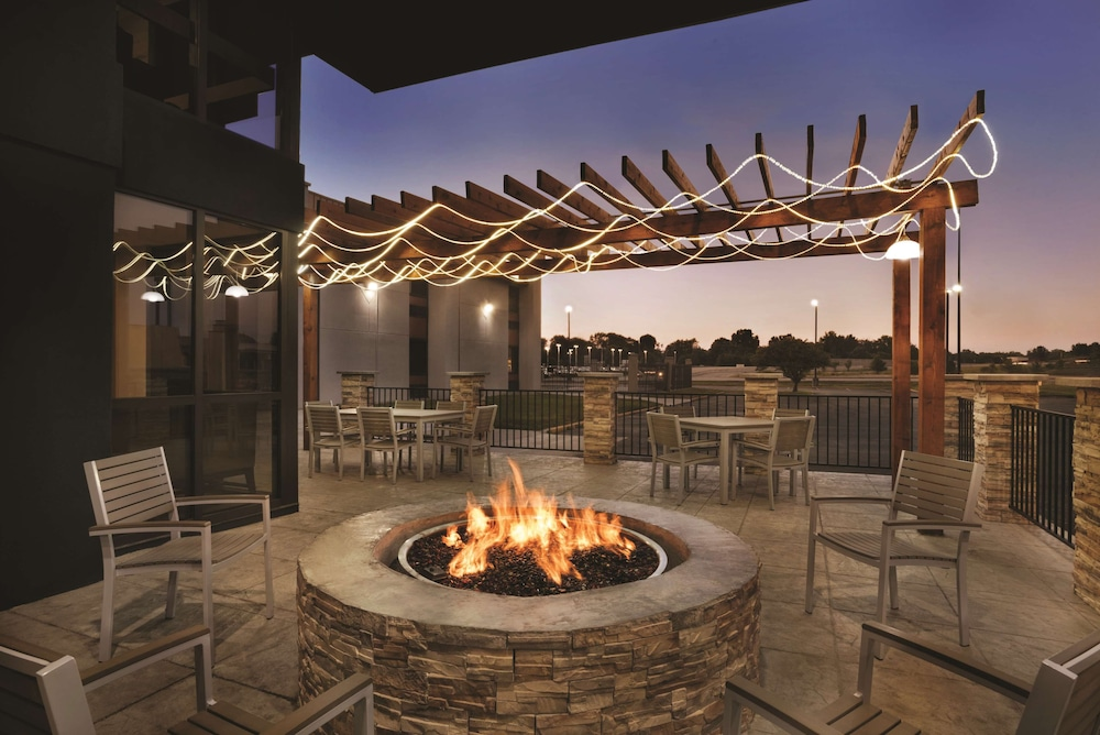 Fireplace, Country Inn & Suites by Radisson Indianapolis East
