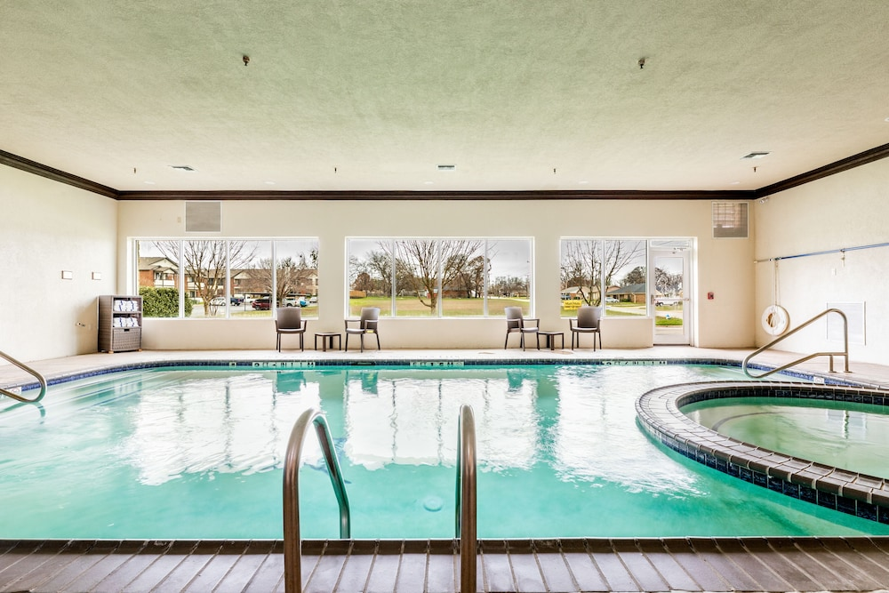 Pool, Country Inn & Suites by Radisson Indianapolis East