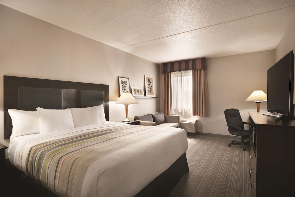 Room, Country Inn & Suites by Radisson Indianapolis East