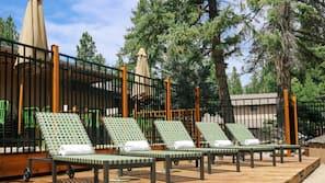 Seasonal outdoor pool, open 8:00 AM to 10:00 PM, free pool cabanas