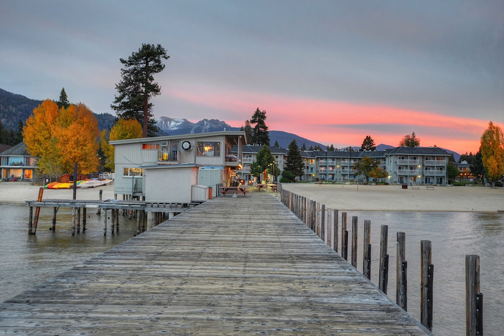 The Beach Retreat Lodge At Tahoe