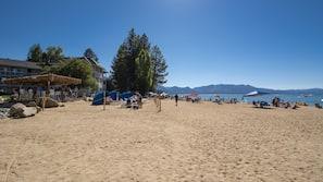 海灘、沙灘巾、海灘酒吧、帆船活動