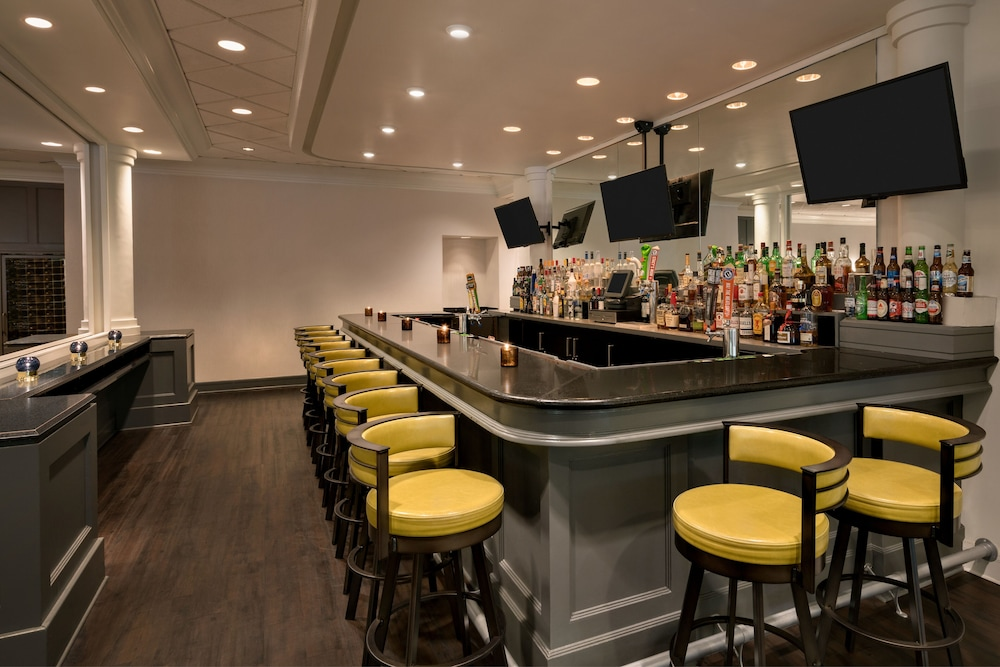 Bar, Crowne Plaza Englewood, an IHG Hotel