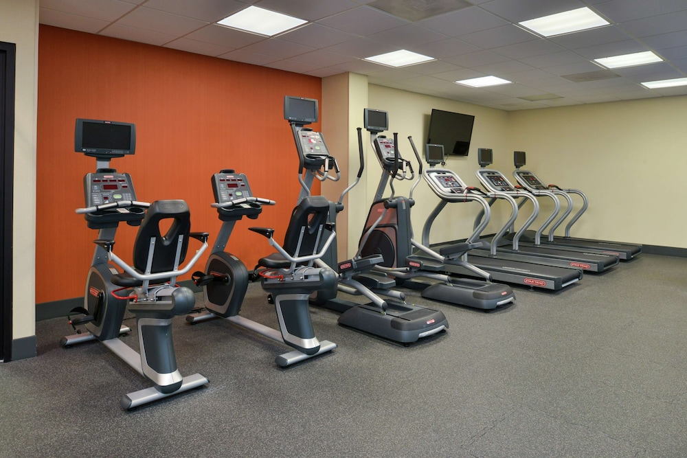 Fitness Facility, Hampton Inn - Frederick