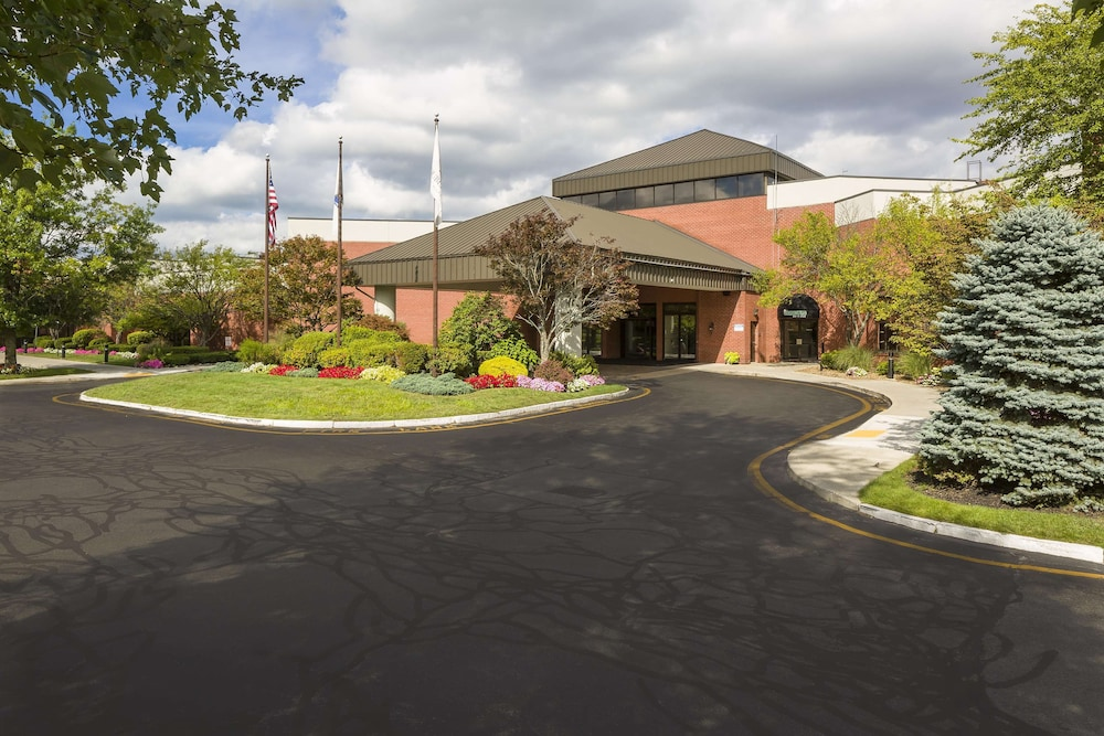 Exterior, DoubleTree by Hilton Hotel Boston-Andover