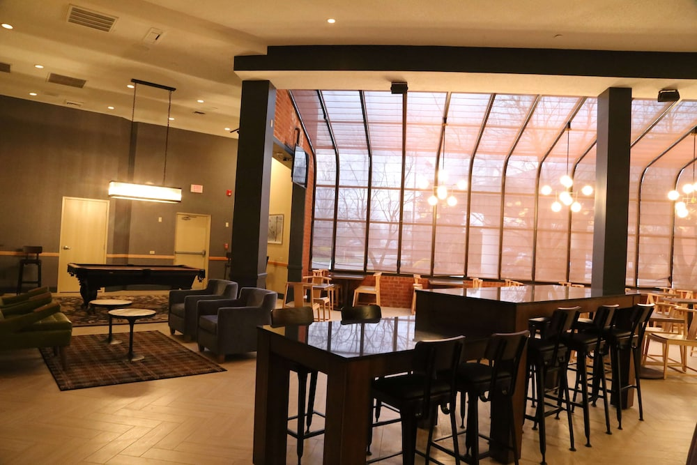 Restaurant, DoubleTree by Hilton Hotel Boston-Andover