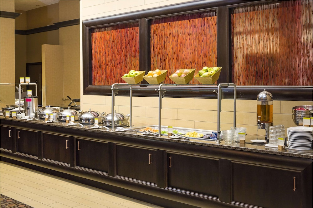 Breakfast Area, DoubleTree by Hilton Hotel Boston-Andover