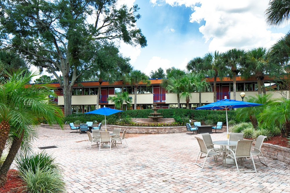 Courtyard View, Maingate Kissimmee Hotel