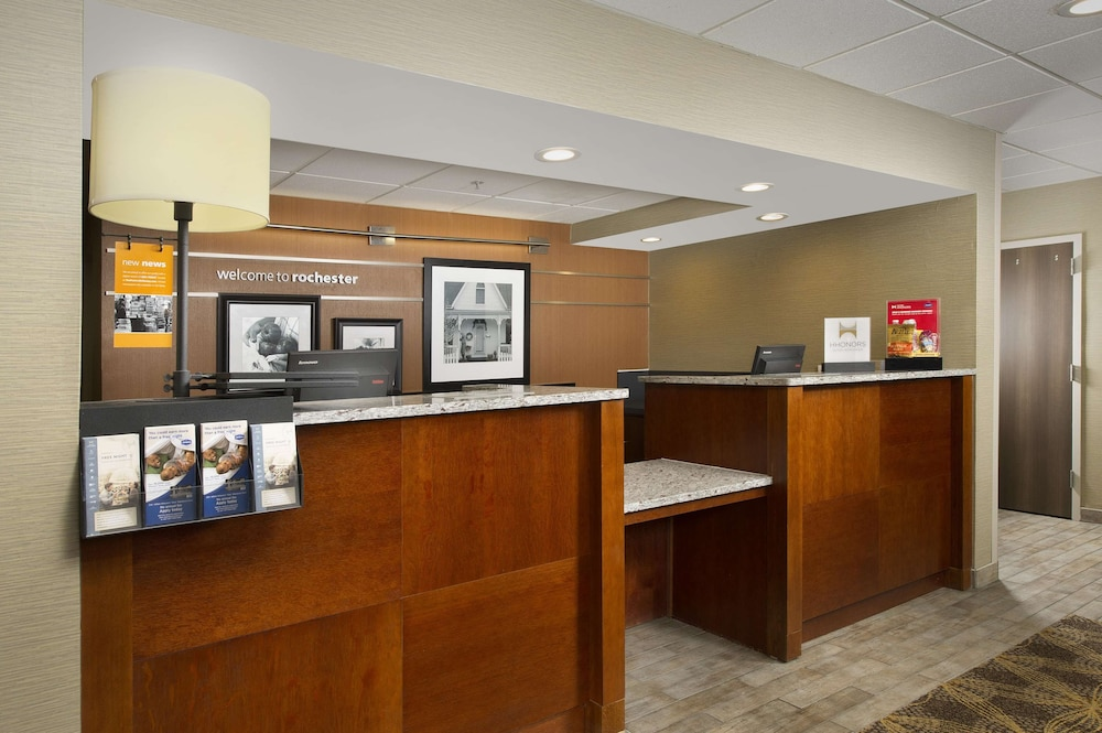 Reception, Hampton Inn Rochester-Greece