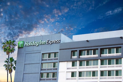 Great Place to stay Holiday Inn Express Van Nuys near Van Nuys
