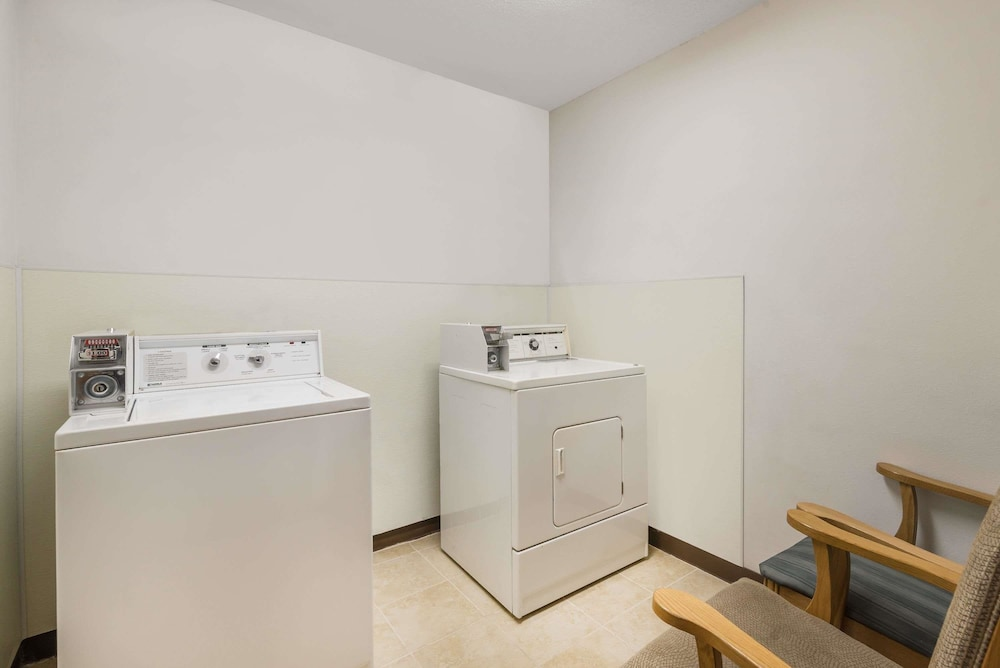 Laundry Room, Baymont by Wyndham Hot Springs