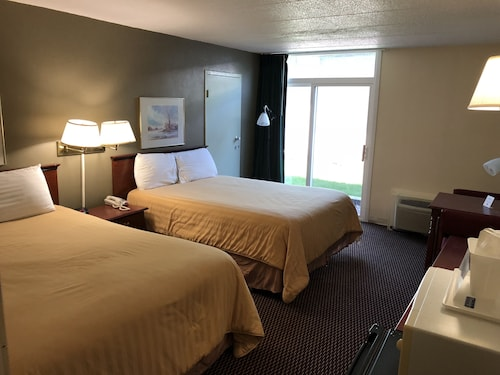 Norwood Inn and Suites