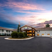 Days Inn by Wyndham Cadillac