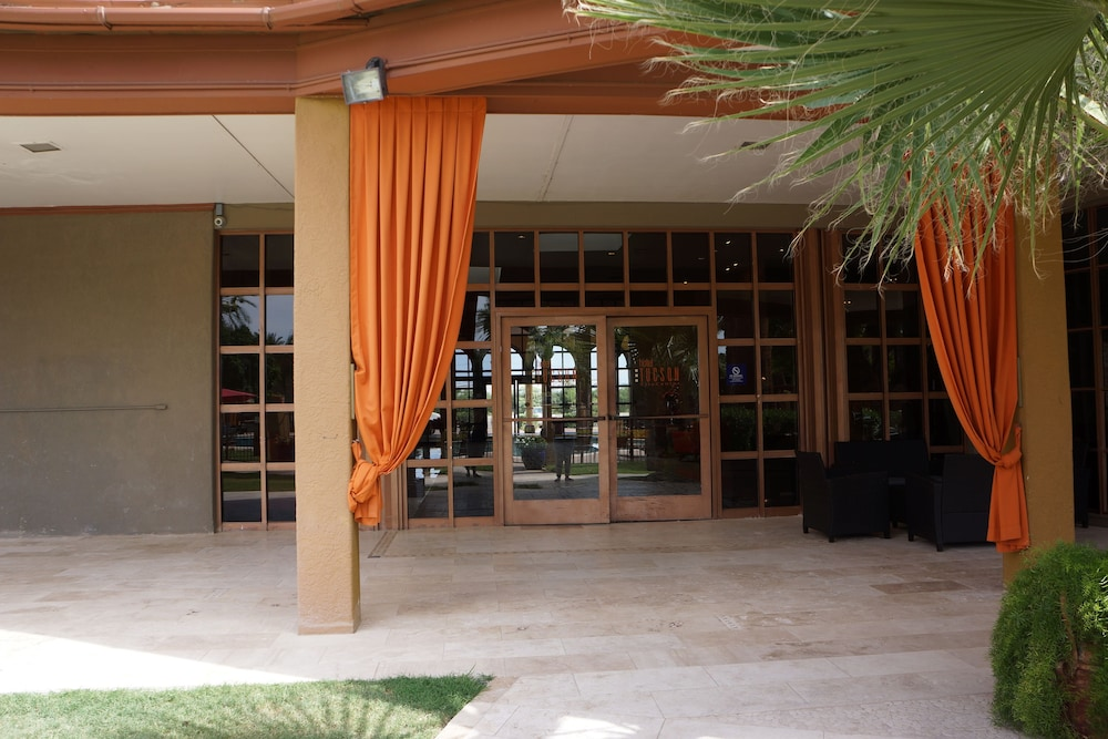 Property Entrance, Hotel Tucson City Center, Ascend Hotel Collection