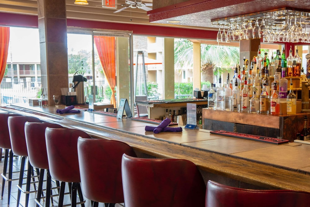 Bar, Hotel Tucson City Center, Ascend Hotel Collection