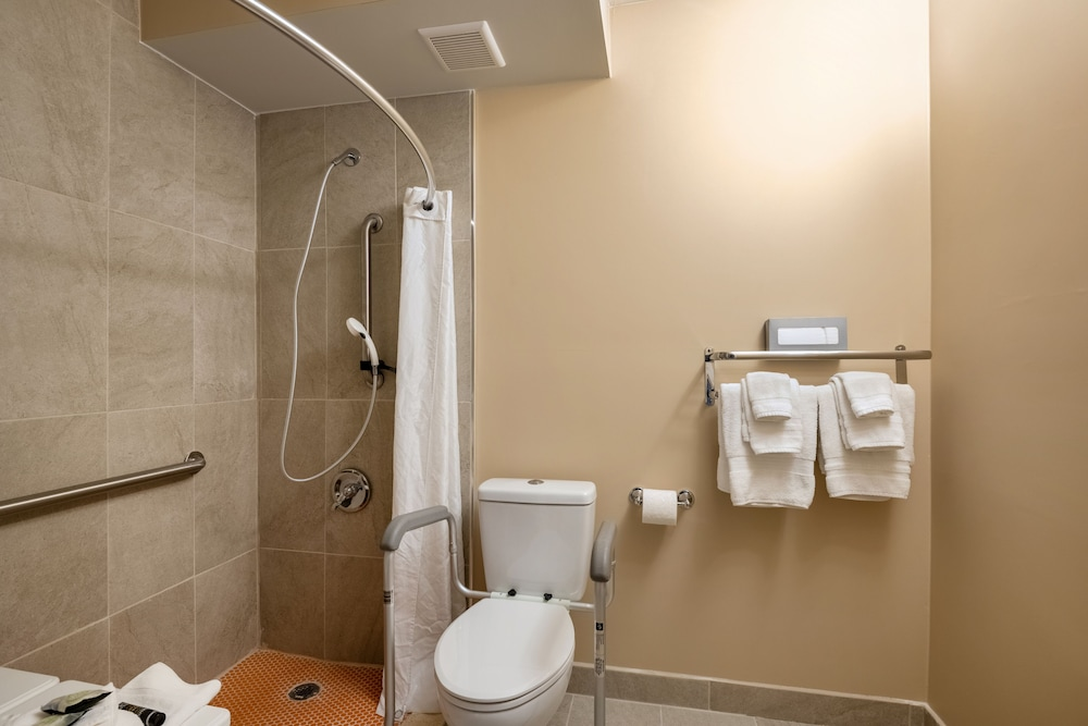 Bathroom, Hotel Tucson City Center, Ascend Hotel Collection