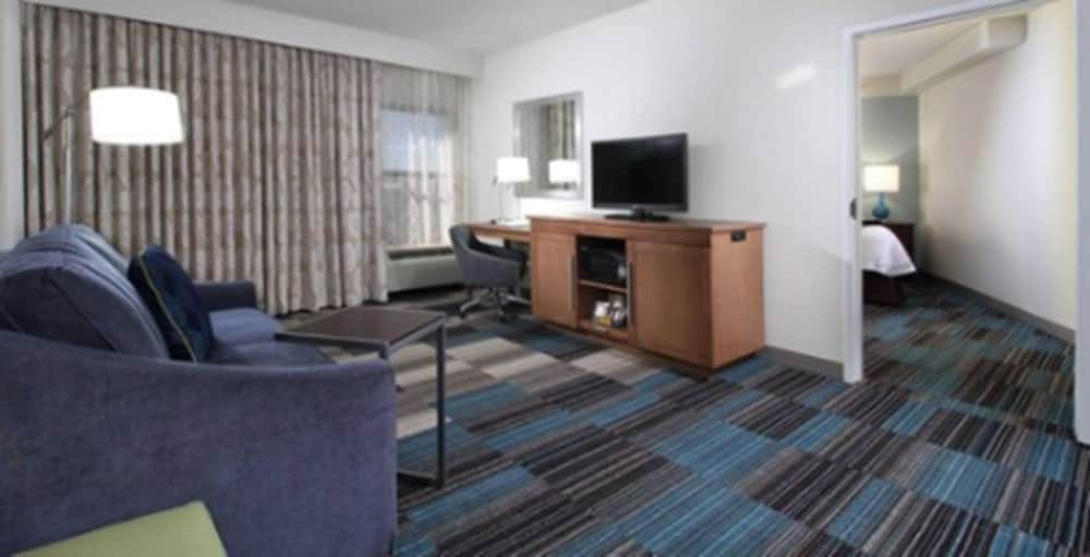 Living Area, Hampton Inn Tucson-Airport
