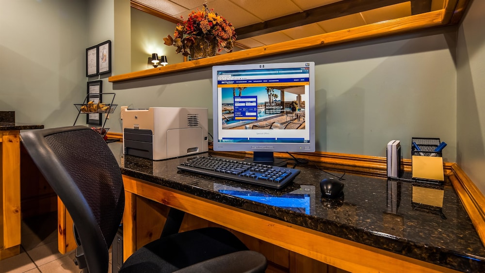 Business Center, Best Western Inn
