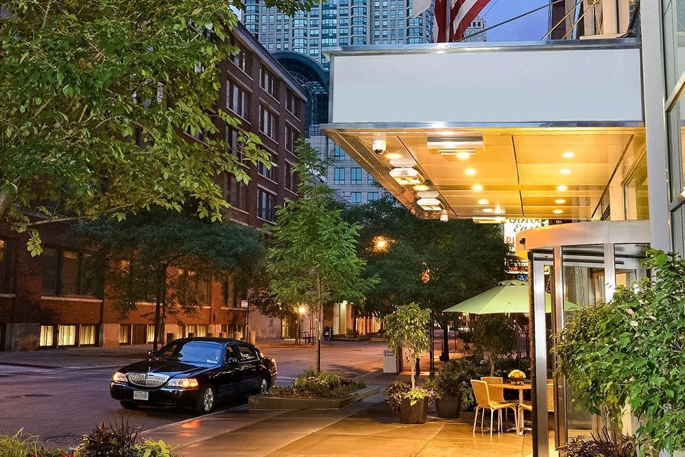 Cambria hotel suites chicago magnificent mile deals for Chicago hotel packages