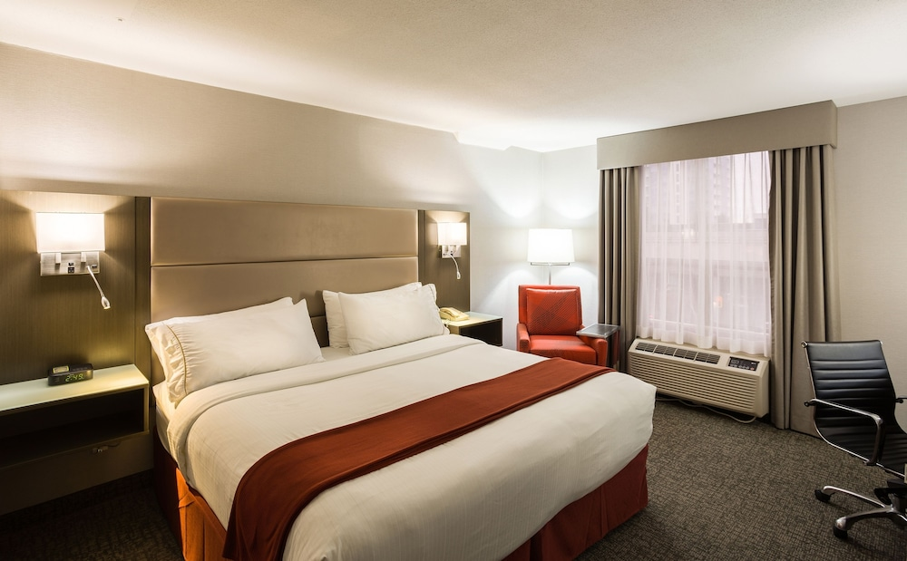 Room, Holiday Inn Express Vancouver-Metrotown (Burnaby), an IHG Hotel